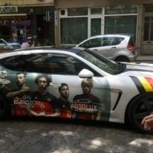 Covering voiture dans les couleurs de l'équipe de Belgique durant l'euro 2016